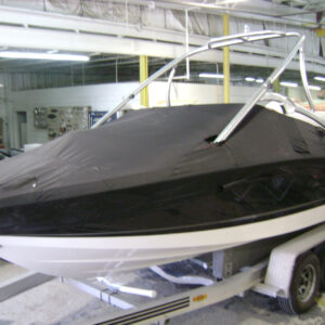 2013-2015 Chaparral 196 SSI with Tower Mooring Cover